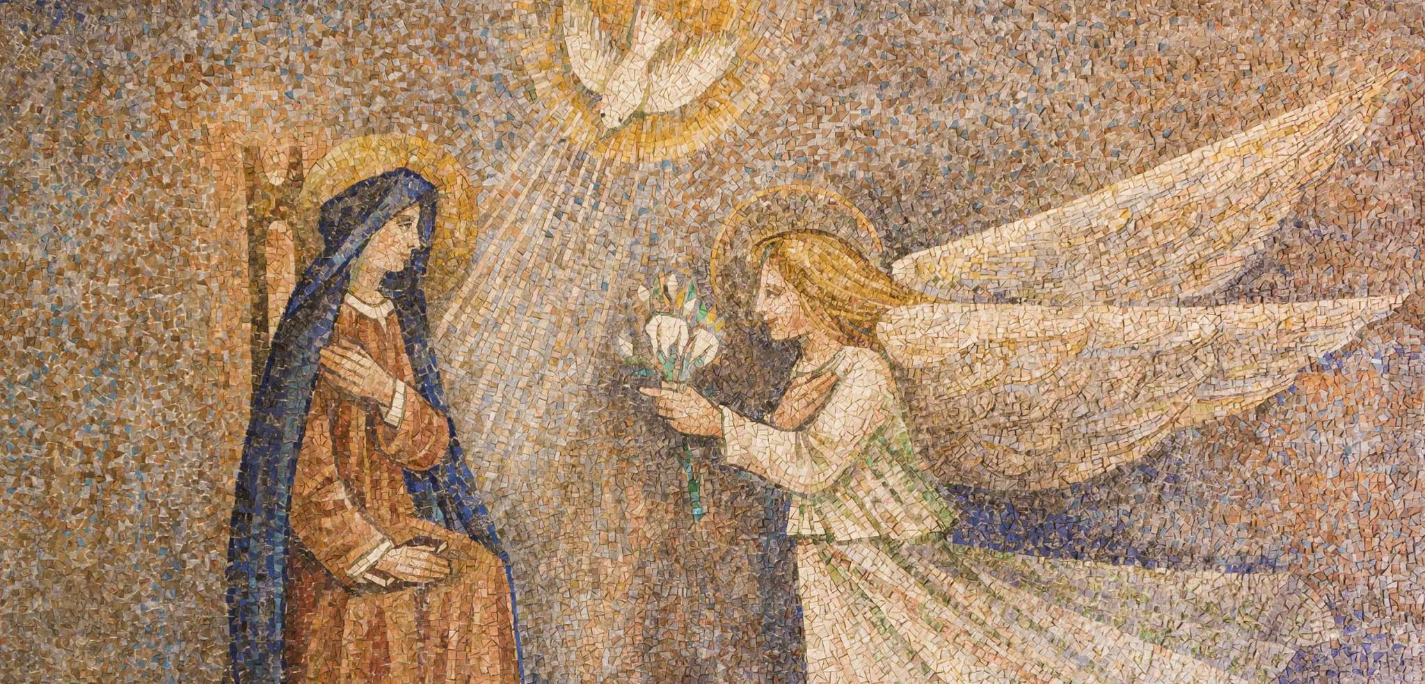 God's postman, teacher of the prophets: the angel Gabriel in