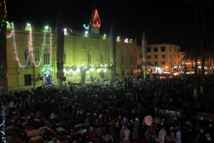 المصريون يحتفلون في ذكرى مولد الحسين - التجمّع كاملاً