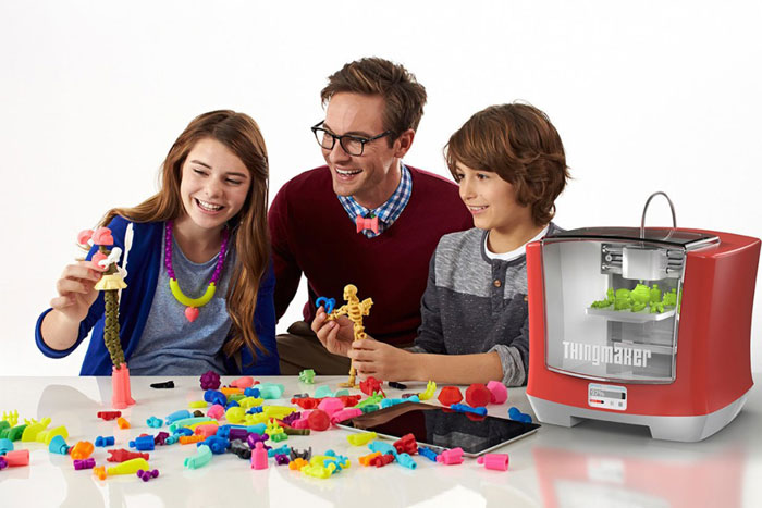 family-with-ThingMaker-3D-Printer-from-Mattel-and-Autodesk