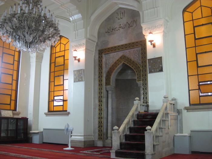 الإسلام في اليابان - صلاة جمعة على الطريقة اليابانية