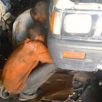 رضا، 15 سنة، أعمل منذ عامين في ورشة لإصلاح السيارات