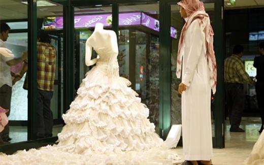 السعوديات يفضلن الزواج من أجانب