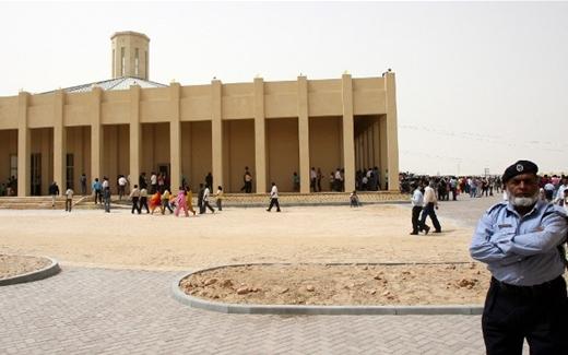هل تدق أجراس الكنائس في الخليج؟