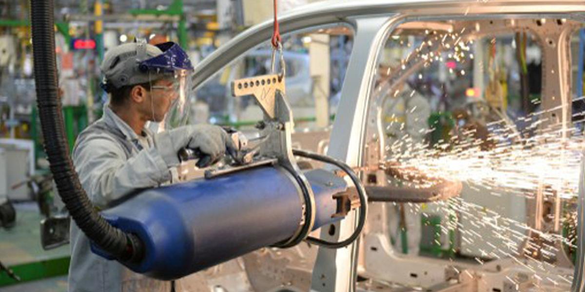 الصناعة في المغرب العربي: خطوة الألف ميل