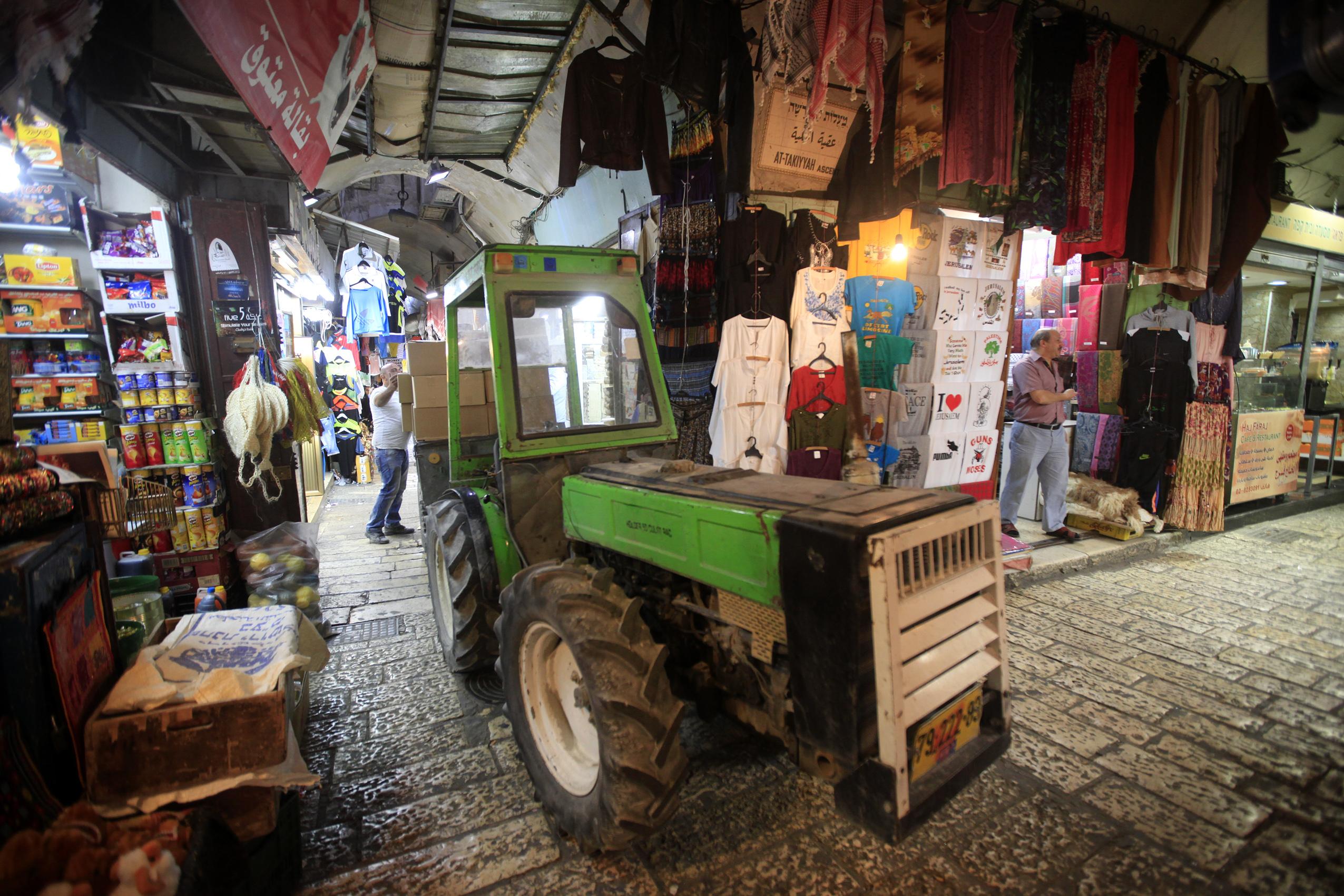 أسواق القدس تتراجع .. هوية مدينة القدس تتلاشى - صورة 3