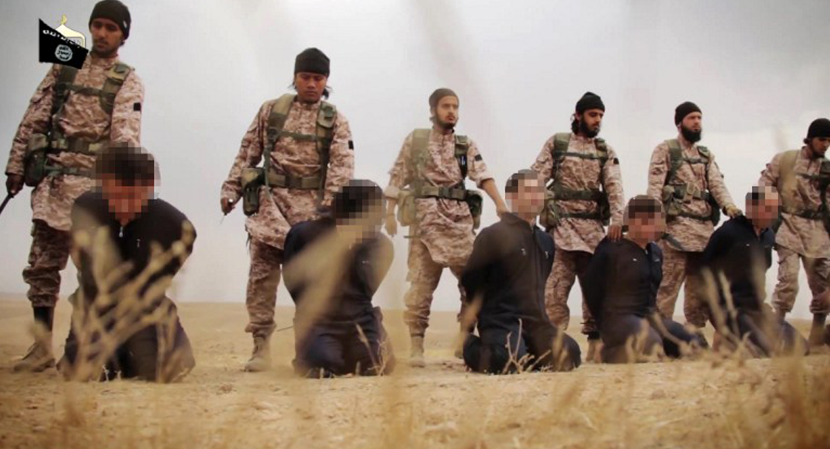 جهاديو داعش والنصرة يطاردون الساحرات