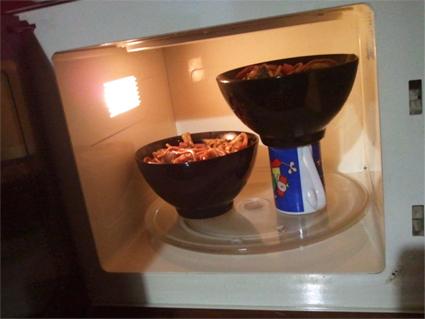 حيل تسهل الحياة اليومية - افكار تسهل الحياة اليومية - فنجان في الميكرويف