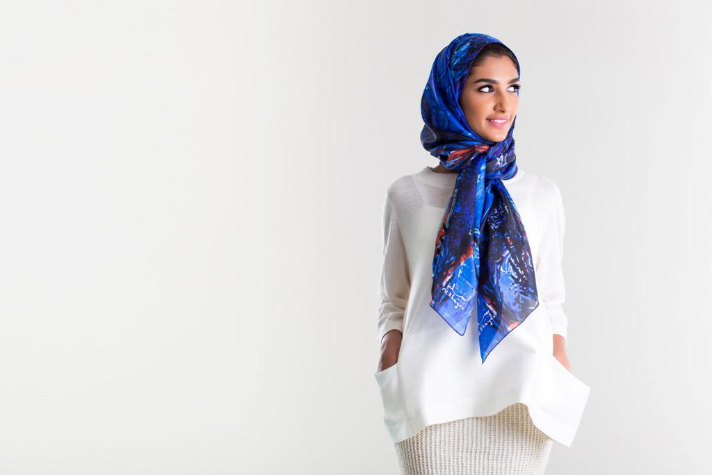 الندى .. لوحات فنية عربية على الأوشحة - صورة 1