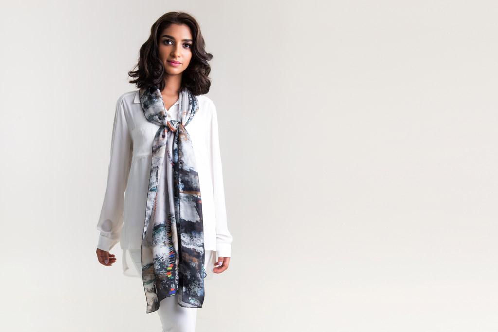 الندى .. لوحات فنية عربية على الأوشحة - صورة 3