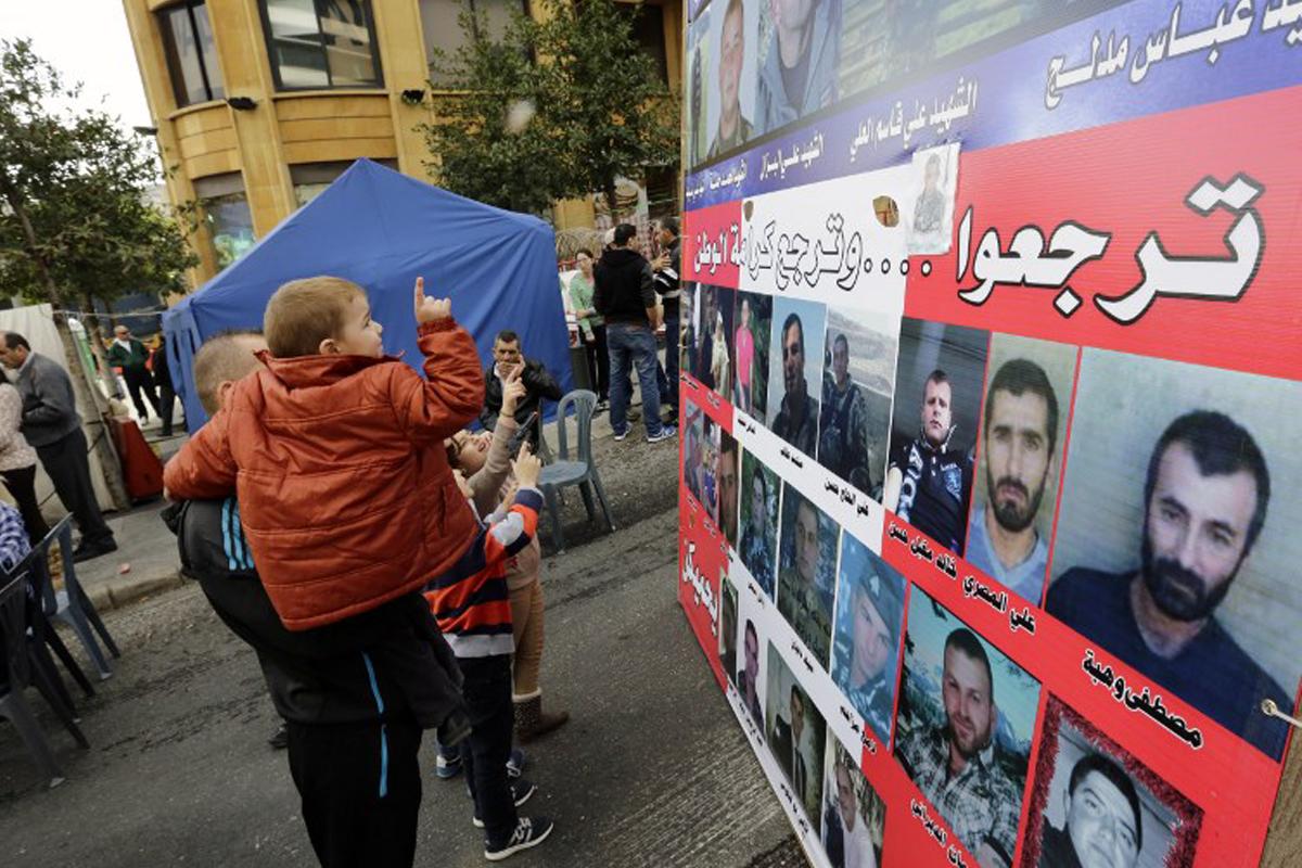 اللبنانيون والسوريون: مَن هو العنصري؟