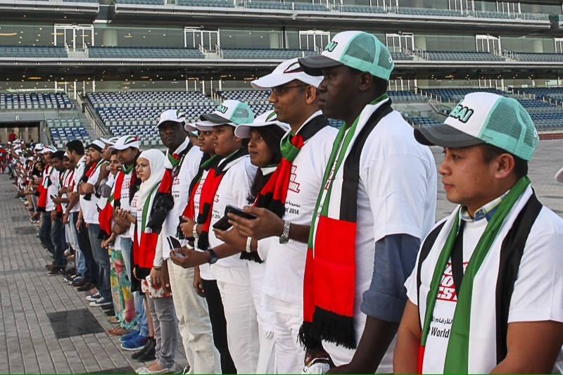 ارقام قياسية عربية في موسوعة غينيس الإمارات - اطول طابور سيلفي