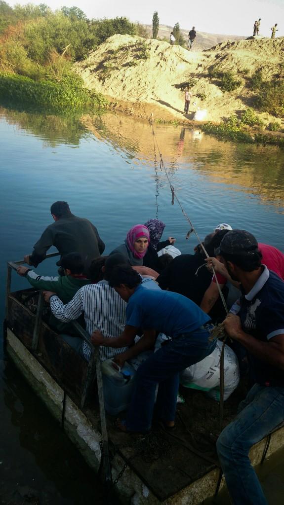 التهريب من سوريا إلى تركيا - القارب