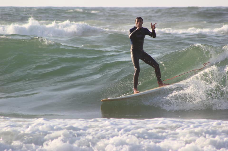 ركوب الأمواج في غزة - أول فريق لركوب الأمواج في غزة