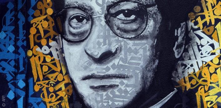 محمود درويش يستمر في بث الثقافة من داخل ضريحه