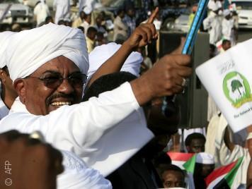 لماذا يتمسك السودانيون برئاسة البشير رغم امتعاضهم من حكمه؟