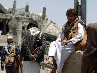 اليمنيون يحصون خسائرهم وعاصفة الضربات الجوية لا تزال مستمرة