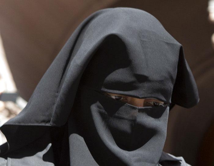 اشهر الأقنعة في العالم - قناع النقاب الإٍسلامي