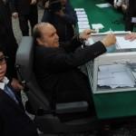 مرض الكرسي يقعد حكام العالم العربي