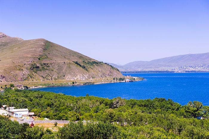 عجائب أرمينيا - مياه فيروزية