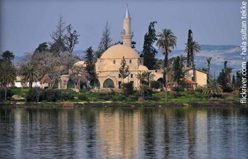 مباني العبادة في أوروبا بين المساجد والكنائس - تكيّة خالة سلطان