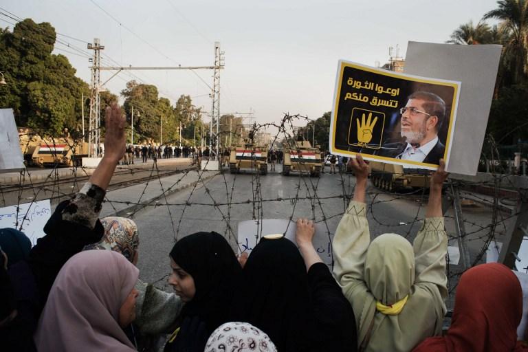 محمد مرسي يدخل السجن