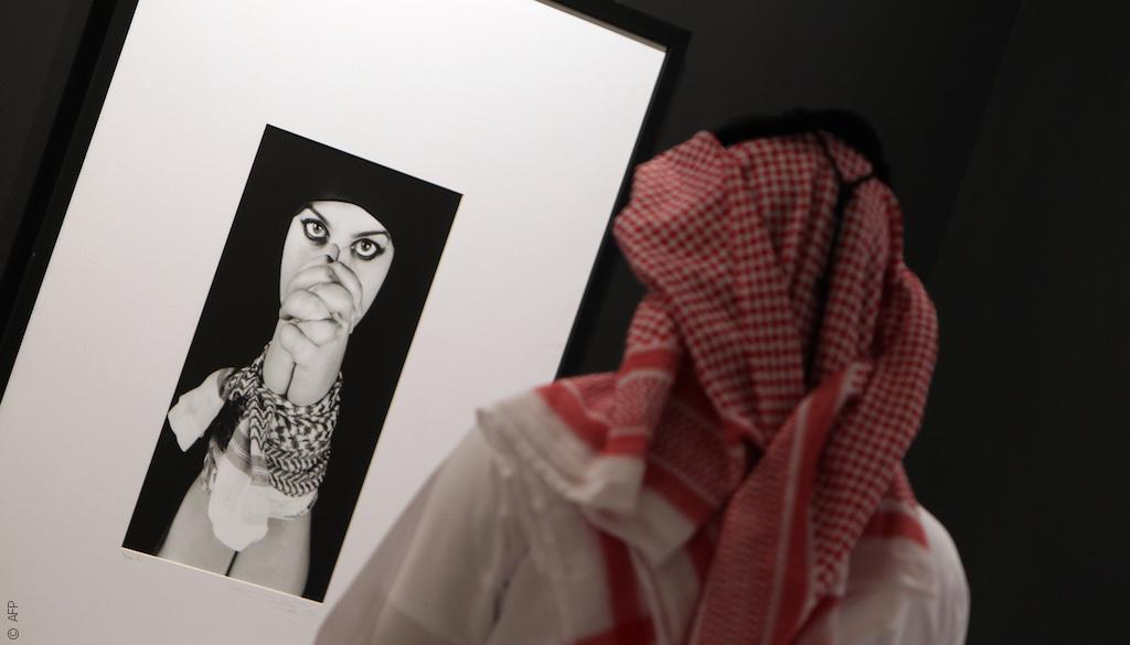 فنانون سعوديون يقدمون صورة مختلفة جداً عن بلادهم