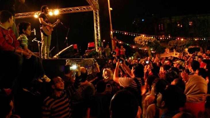 مهرجان الفن ميدان - إحراج الثقافة الرسمية