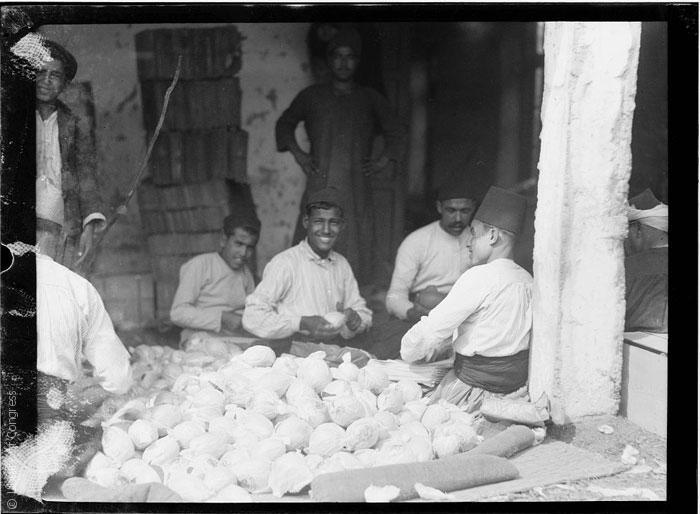 القصة الغريبة وراء تأسيس مدينة تل أبيب - Jaffa-orange-culture_1898_Library-of-Congress