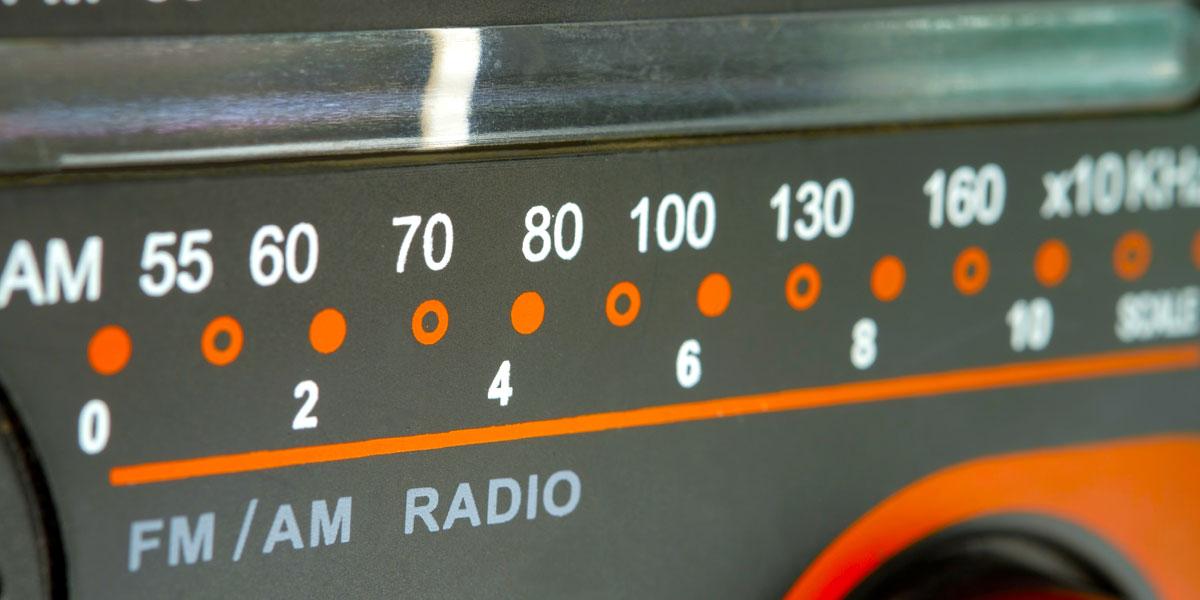 الراديو وسيلة بعض الفتيات الأردنيات الوحيدة للحب والتحرر