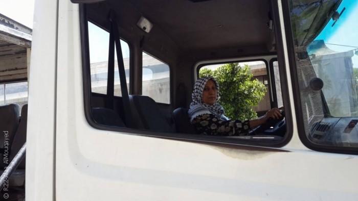 نساء من غزة يمارسن مهن الرجال - صورة 3