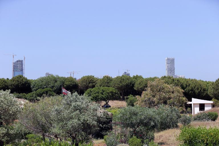 في لبنان فقط: حديقة عامة ممنوعة على السكان المحليين ومتاحة للأجانب