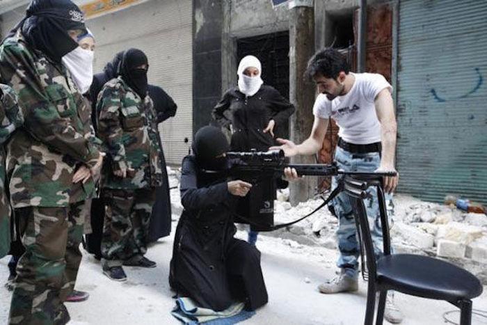 إرهابيات تونسيات: الفقر والحب وشيوخ الفضائيات وراء تجنيدهن
