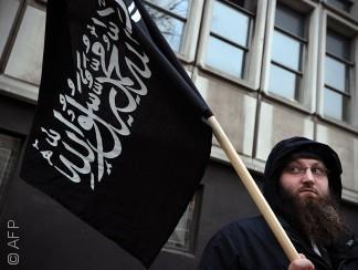 """لماذا """"يتدعوش"""" المسلمون في أوروبا؟"""