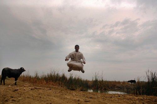 جمال بينجويني - Iraq is Flying