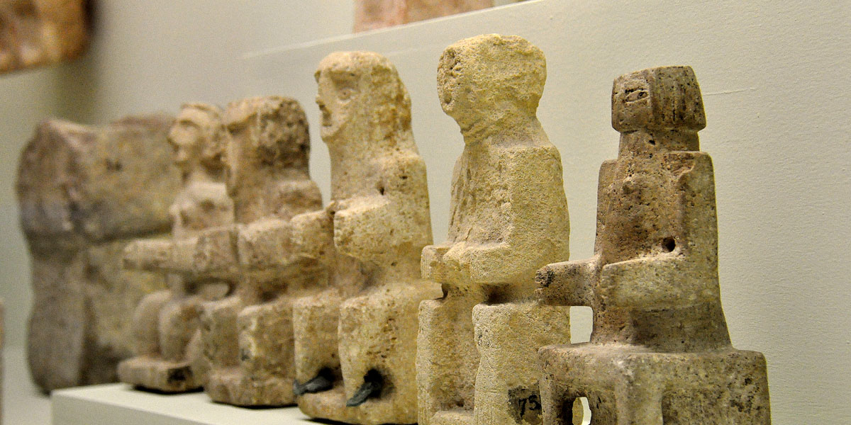 آلهة العرب القدماء: مَن كان يعبدها وأين؟