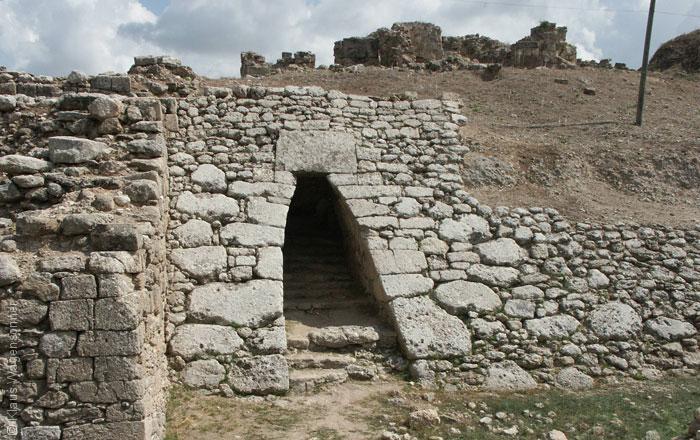 أهم المعالم الأثرية العربية المكتشفة عن طريق الصدفة - أوغاريت