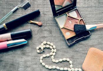 المنتجات الحلال الخاصة بالنساء - مستحضرات التجميل