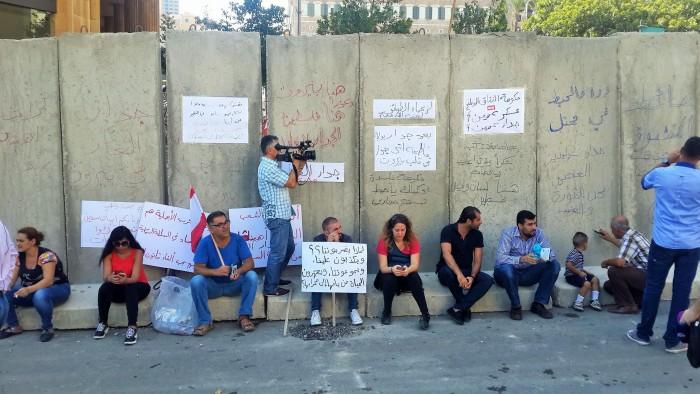 قصة جدار فصل في بيروت لم تتعد مدته الـ24 ساعة