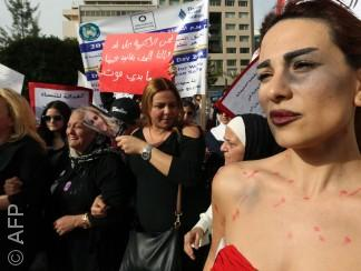 قوانين الحماية من العنف الأسري غائبة في معظم البلدان العربية
