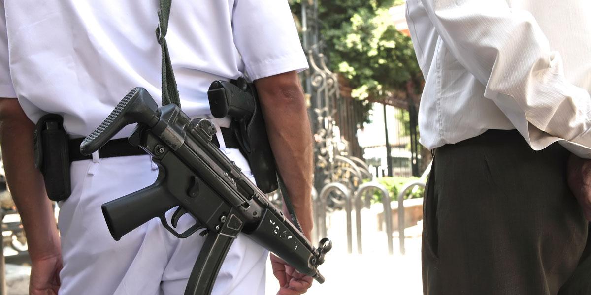 ساحات مصر خلت من الثوار وامتلأت بمتظاهرين من الشرطة