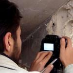 كيف يعمل الصحافيون السوريون في ظل الحصار وانعدام التقنيات؟