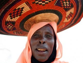 بائعات الخمور في الخرطوم: بين سوق منتعش وشرطة طامعة
