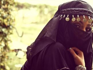 """""""نساء الشرق الأوسط"""" في شريط جنسي"""