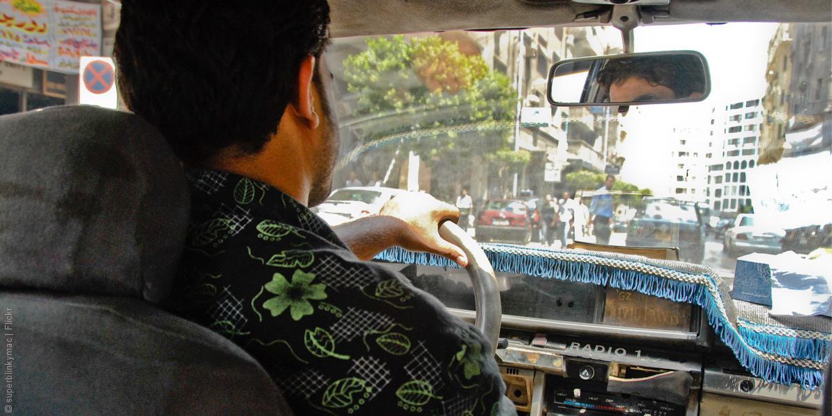 برنامج يعده السائق ولا يطلبه المستمعون: ماذا يسمع المصريون؟