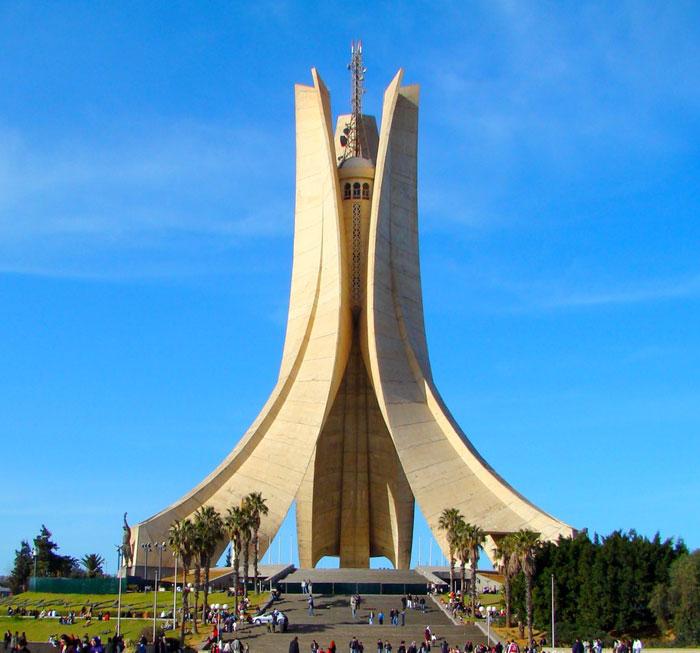 أماكن عليكم زيارتها في الجزائر العاصمة - مقام الشهيد