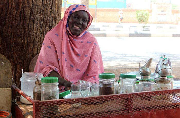 سيدات الشاي في الخرطوم - عرض مغرٍ
