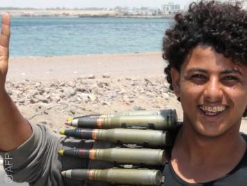 شباب الثورة اليمنية: من ساحات الاعتصامات إلى جبهات القتال