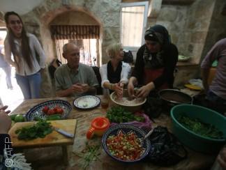 """المطبخ الفلسطيني شكل آخر من أشكال """"المقاومة الثقافية"""""""
