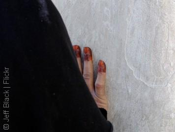 أغرب العادات المتعلقة بالمرأة في العالم العربي
