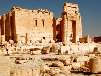 أسوأ المخاوف تتحقق بتدمير أشهر معبد في تدمر وسط سوريا